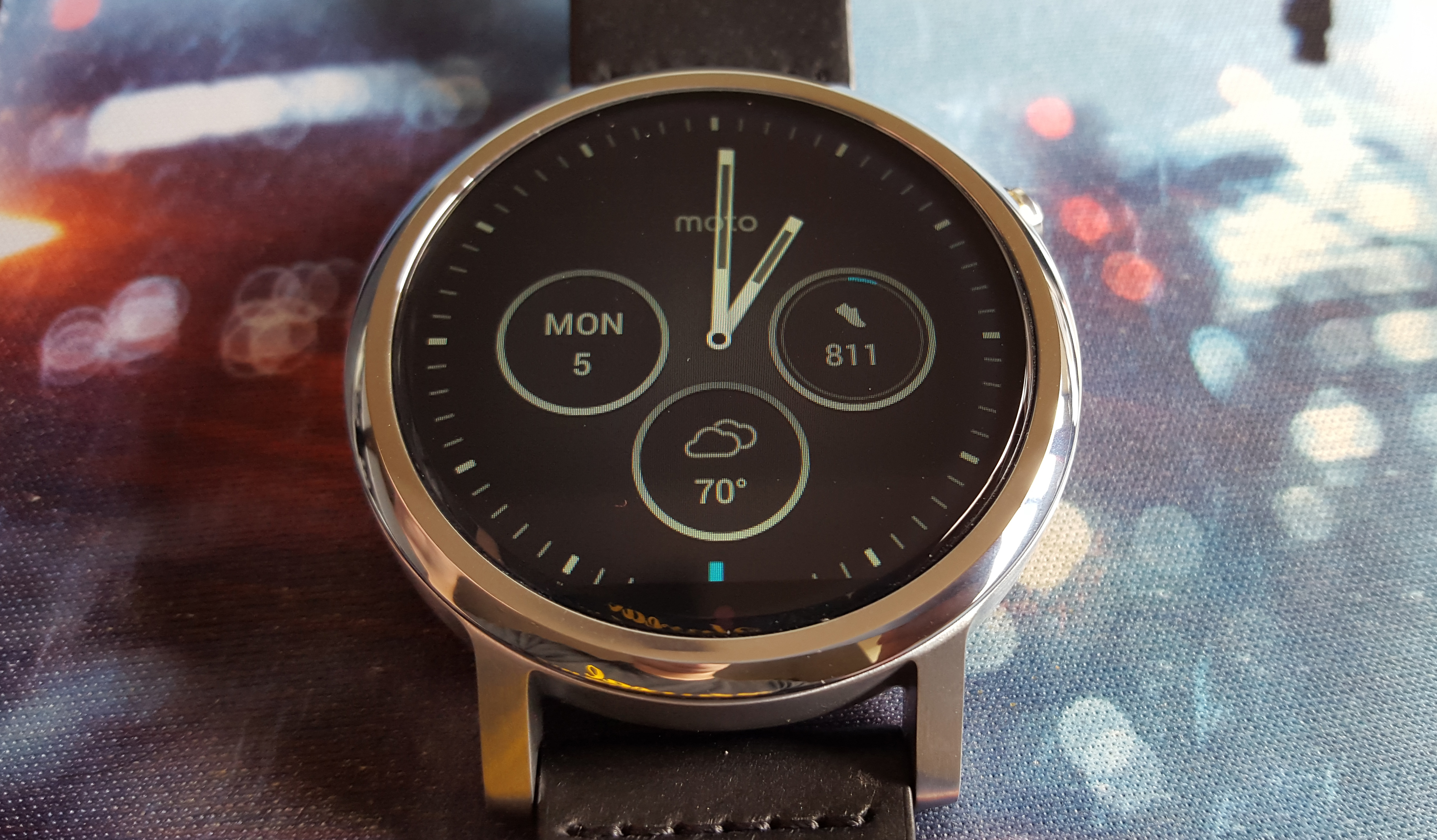 The design, as stated earlier, is an upgraded, more watch-like design that brings the Moto 360 the closets of any smartwatch to this day to looking like a ...