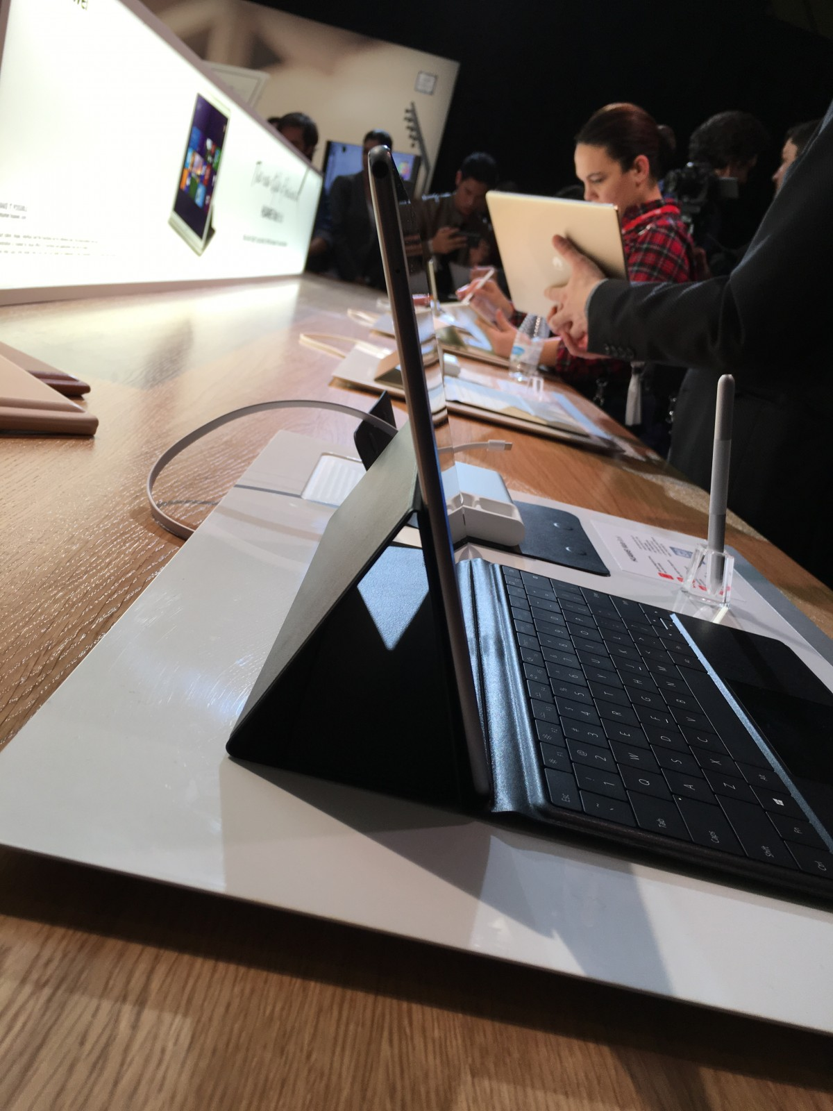 Huawei Enters PC Market With Super-Thin Windows 10 MateBook